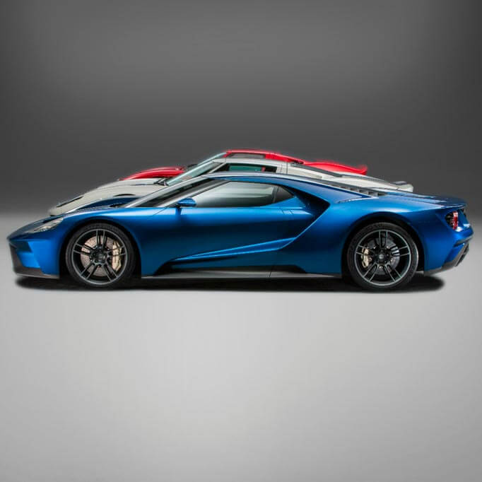 Ford GT in blue, silver and red