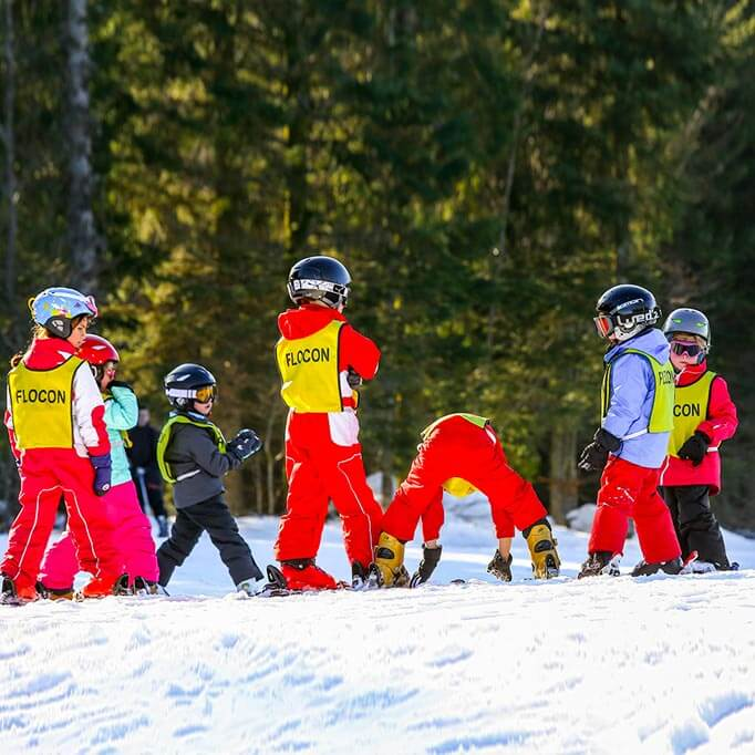 Children beginner skiers